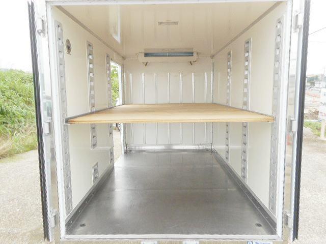 中温冷凍車ー7℃ 1.35t10尺 オートマ車 ワンオーナー(8枚目)