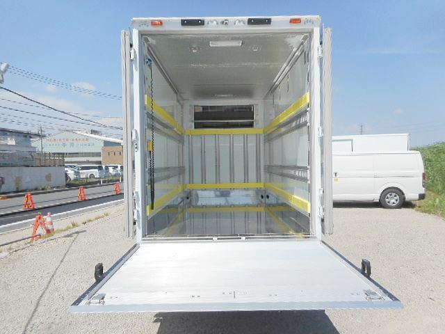 セミロング低温冷凍車ー32℃ 積載2.2t パワーゲート付(7枚目)