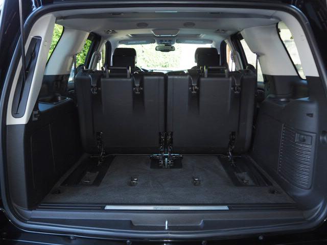 キャデラック キャデラック エスカレード 黒革 24AW ローダウン 各部スモーク Pステップ新車並行