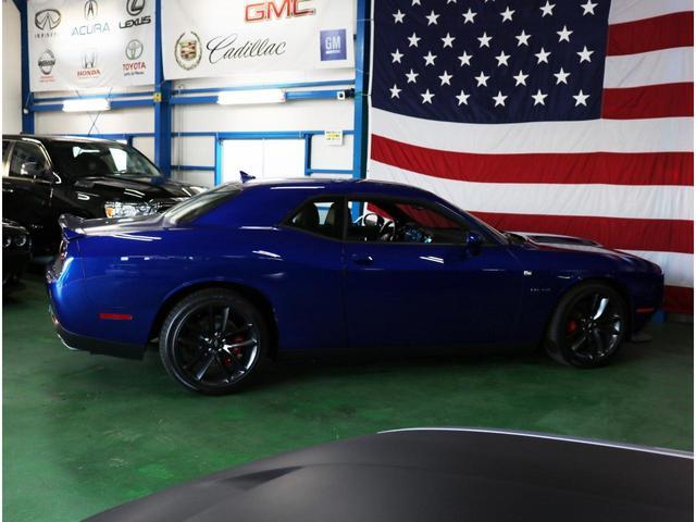 R/T プラス パフォーマンスパッケージ CS2178 2021モデル レッドブレンボブレーキキャリパー アップルカープレイ/アンドロイドオート HID エンジンスターター アルパインオーディオ レザー&アルカンターラ シート(シートヒーター&クーラー)(38枚目)
