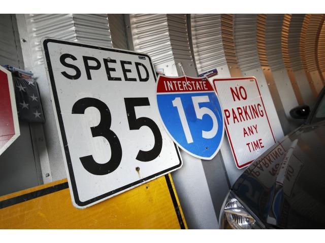 8282STYLE.Garageでは車と共に生きるガレージライフをテーマにアメリカ輸入元代理店8282STYLEガレージを販売施工します!気軽に問合せ下さい!アメリカ現地アイテムも仕入販売してます!