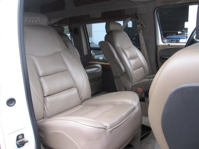 ダッジ ダッジ バン 新車並行V8スタークラフト HOTROD 8282STYLE