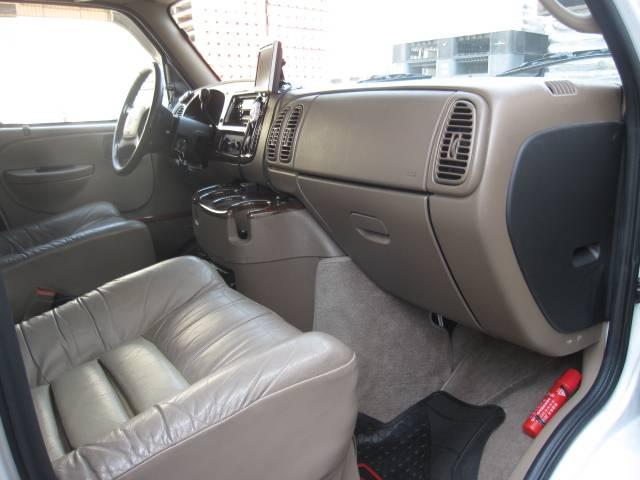 ダッジ ダッジ バン 新車並行 V6 3900cc Luxury8282STYLE