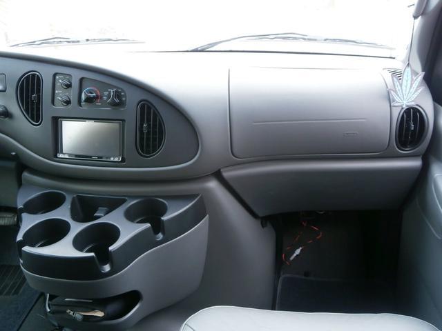 フォード フォード E-150 新車並行 スライドドア XLT PREMIUM