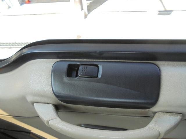 ロングカスタムターボ 26人乗り 左オートドア 冷蔵庫 バックモニター ディーゼルターボ 換気扇 エアサス 6MT NOx・PM適合 リクライニング・モケットシート(22枚目)