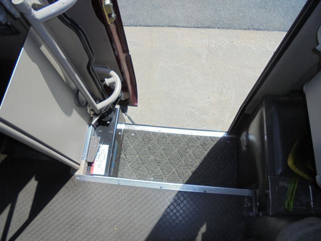ロングカスタムターボ 26人乗り 左オートドア 冷蔵庫 バックモニター ディーゼルターボ 換気扇 エアサス 6MT NOx・PM適合 リクライニング・モケットシート(40枚目)