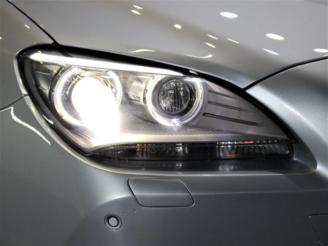 輸入車では、劣化で白くくもりがちなヘッドライトレンズも透明感のある綺麗な状態が保たれております。劣化の生じやすいモール類までも綺麗な状態です。◇HIDになりますので、暗い夜道のライディングも安心です!