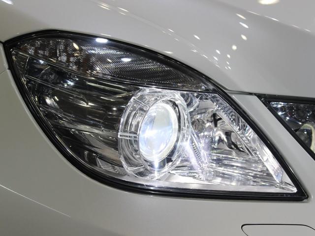 中古車では、劣化で白くくもりがちなヘッドライトレンズも透明感のある綺麗な状態が保たれております。劣化の生じやすいモール類までも綺麗な状態です。◇HIDになりますので、暗い夜道のライディングも安心です!