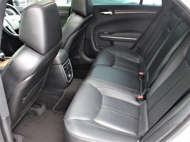 自社工場もございます!輸入車専用コンピュターも完備しております!アフターメンテナンスもお任せ下さい!後部座席にもゆとりがあり、乗り心地が良いです!
