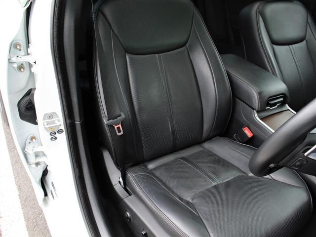 シートの状態も、非常に綺麗な状態が保たれております。ブラックレザーシートになります。シート冷暖装備です!