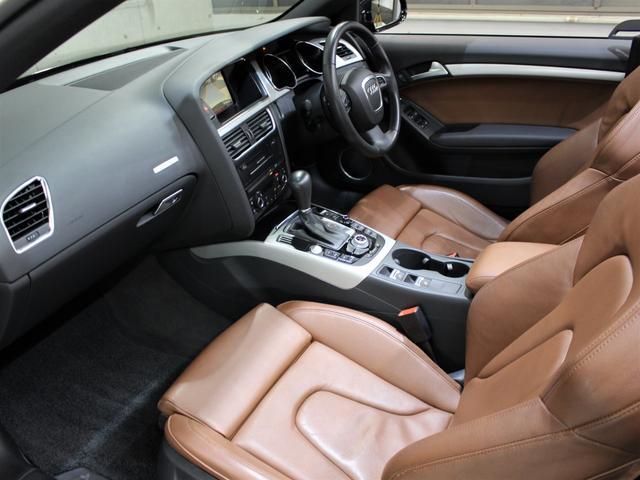 当社では提携先の輸入車正規ディーラーから良質車のみを仕入れ、入庫後は2社の第三者機関(AIS)、(JAAA)にて修復歴等の品質チェックを行って頂き検査評価書を取得しております!