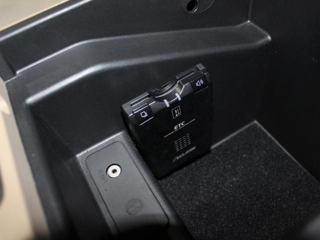 「フォード」「エクスプローラースポーツトラック」「SUV・クロカン」「東京都」の中古車31