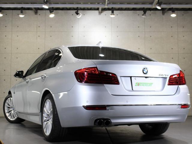 H26年式 BMW523iラグジュアリー 右H 修復歴無 実走行2.6万キロが入庫致しましたのでご紹介させて頂きます。外装の状態はとても綺麗な状態でほぼ無傷に近い状態が保たれております。
