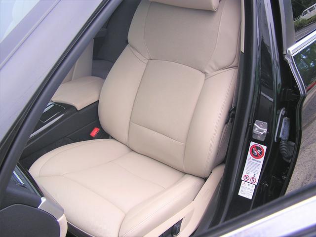 550i V8 ターボ 後席モニタ- 4400 走行TV 冷暖シ-ト 後シ-トヒ-タ- 純ナビ 電トランク 純19AW 禁煙 毎回D整備 1オナ ヘッドUPディスプレー ソフトクローズ オートトランク(51枚目)