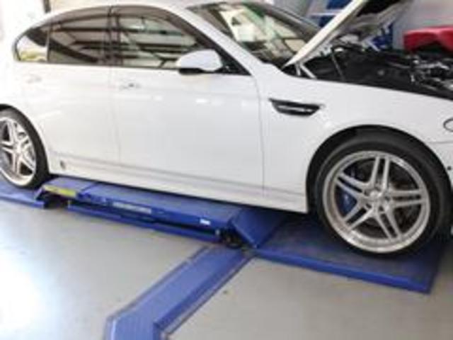 550i V8 ターボ 後席モニタ- 4400 走行TV 冷暖シ-ト 後シ-トヒ-タ- 純ナビ 電トランク 純19AW 禁煙 毎回D整備 1オナ ヘッドUPディスプレー ソフトクローズ オートトランク(67枚目)