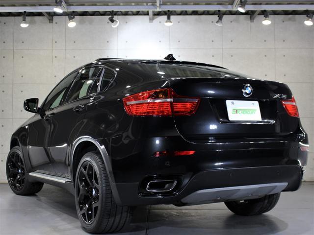 H22年 BMW X6 50i後期 実走行5.4万キロ ブラックサファイヤを入庫致しましたのでご紹介させて頂きます。外装の状態はとても綺麗な状態でほぼ無傷に近い状態です。