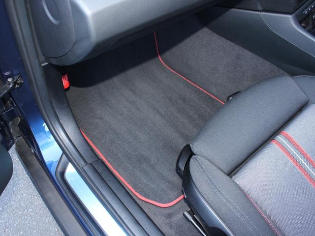 sDrive 20i スポーツ 後期・最終モデル・純正ナビBカメラ・18アルミ・キセノン・コンフォートアクセス・Aストップ・ETC・AUX・USB・Bトゥース・コ-ナーセンサー(65枚目)