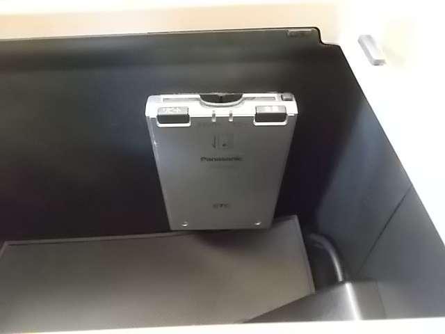 24TL ワンオーナー HDDナビ リアカメラ(6枚目)