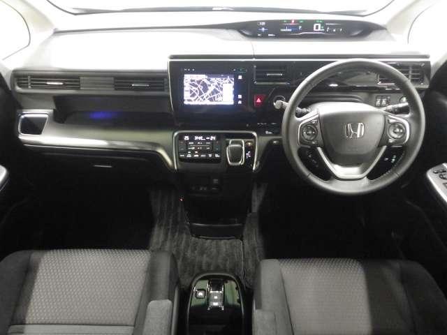 開放感のある運転席まわり!運転席からの視界も良好です!