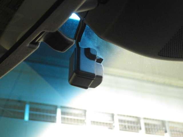 社外品とはなりますが、ドライブレコーダーも付いております!