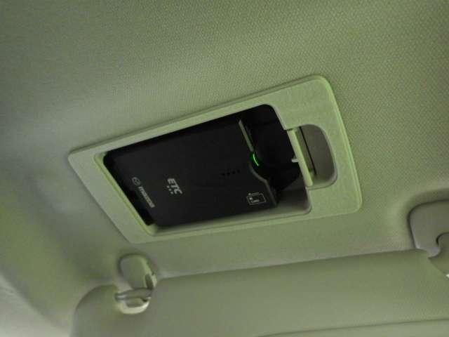 ETCは運転席上部サンバイザー裏に設置しております。