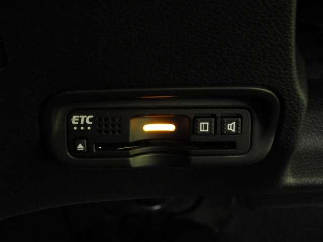 ハイブリッドZ・ホンダセンシング 社外ナビ スマートキー ワンセグTV 1オナ クルーズコントロール アイドリングストップ ナビTV ETC メモリーナビ アルミ 盗難防止システム キーレス DVD再生 横滑り防止装置 ワンセグ CD(11枚目)