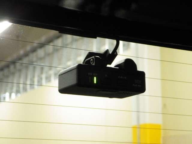 ハイブリッド ホンダセンシング 前後Dレコ 9inナビ Rカメラ 禁煙 1オーナ Bモニ ETC 衝突軽減ブレーキ 禁煙車 クルコン フルセグTV メモリーナビ ナビTV DVD スマキー ワンオーナー(14枚目)
