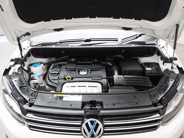 フォルクスワーゲン VW ゴルフトゥーラン TSI ハイライン 純正メモリーナビゲーション・バックカメラ