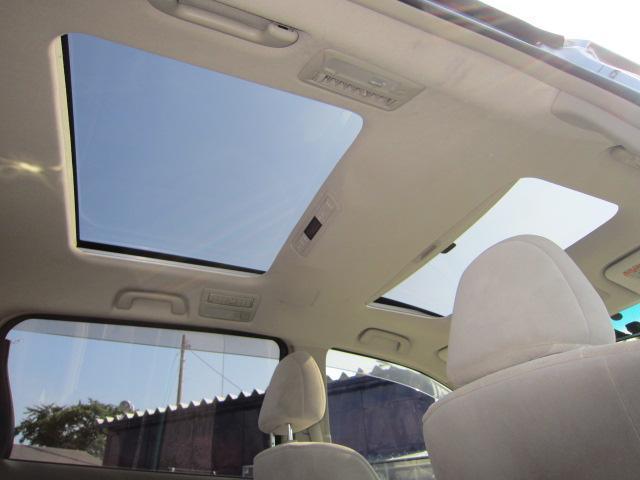 G 4WD 7人乗り ムーンルーフ 両側電動スライドドア(3枚目)
