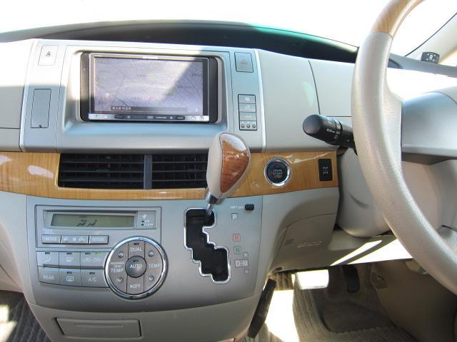 G 4WD 7人乗り ムーンルーフ 両側電動スライドドア(19枚目)
