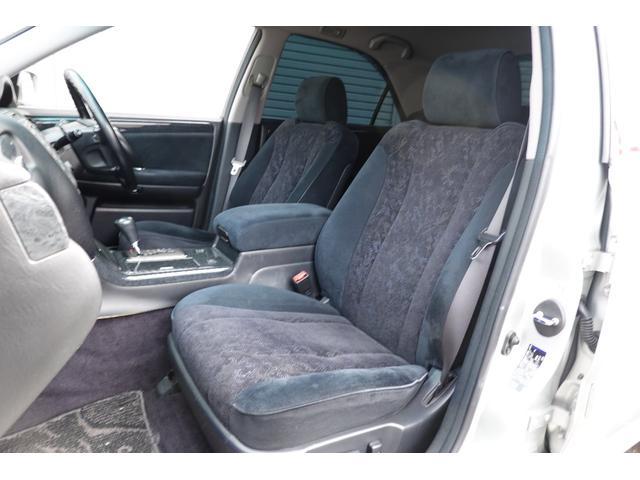 運転席・助手席はパワーシートになります!!シートの痛みも少なく綺麗です!!