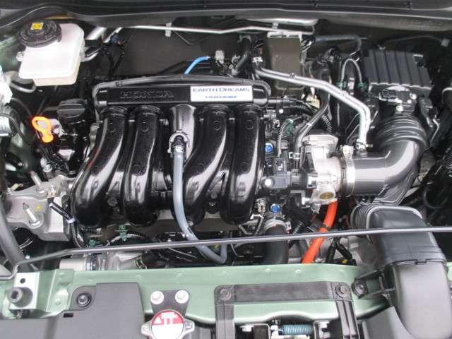 1500CCハイブリットエンジンで力強く走ります。