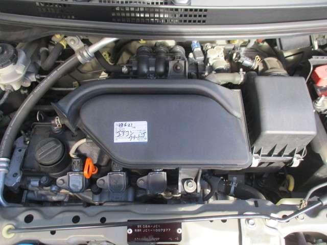 ガソリン満タン納車、バッテリー交換、エンジンオイル交換、オイルエレメント交換、ワイパーラバー交換、カタログギフトもお渡しさせていただきます。