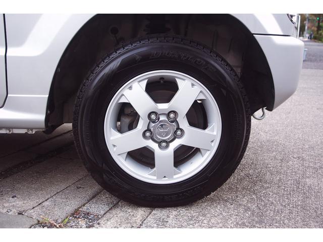 スタッドレスタイヤです。タイヤの山もばっちり