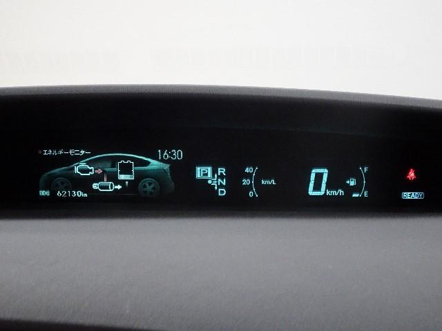 車検整備・12ヶ月定期点検を実施します。エンジンオイル、オイルフィルター、ワイパーゴム、バッテリー(ハイブリッド除く)をお取替え。その他消耗品も必要に応じてお取替え致します。安心してお乗り頂けます♪
