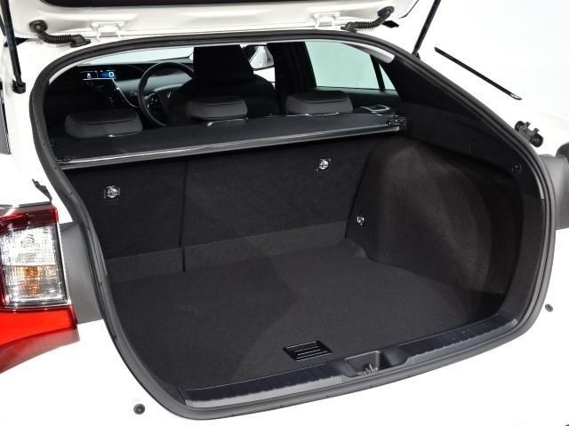 S 走行7000キロ 衝突被害軽減システム 誤発進抑制装置 ドライブレコーダー Bluetooth&DVD再生機能付きメモリーナビ バックカメラ ワンオーナー スマートキー ETC LEDヘッドランプ(16枚目)