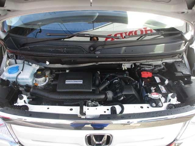 エンジンルームをコンパクトにする技術により、車内を広くゆったり使えるのもホンダ車の魅力ですね!