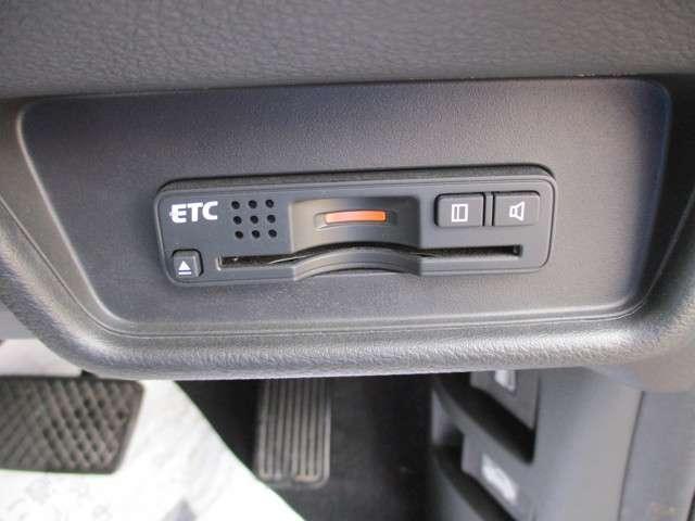 ハイブリッドアブソルート・ホンダセンシンアドバンスP ナビ リアカメラ フルセグ ETC LED ETC 地デジ 衝突軽減 1オナ LED アルミ バックモニター(19枚目)