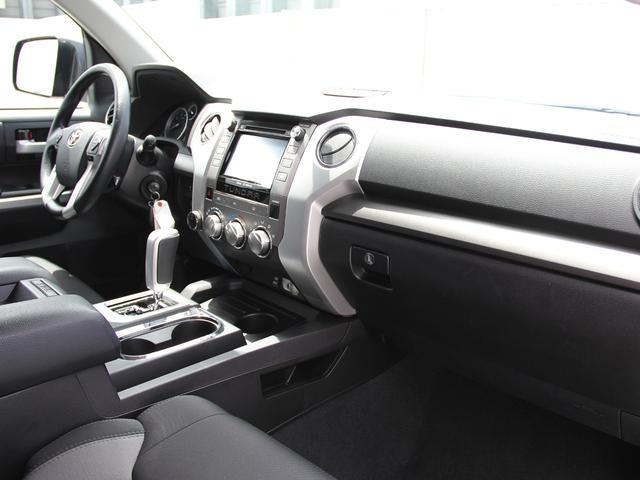 米国トヨタ タンドラ クルーマックス SR5 4WD 5.7 自社輸入 走行証明車