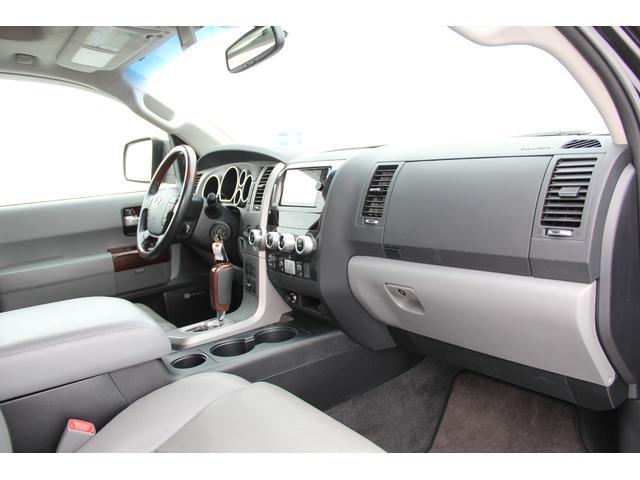 プラチナム 4WD 5.7L 新車並行 ワンオーナー(8枚目)