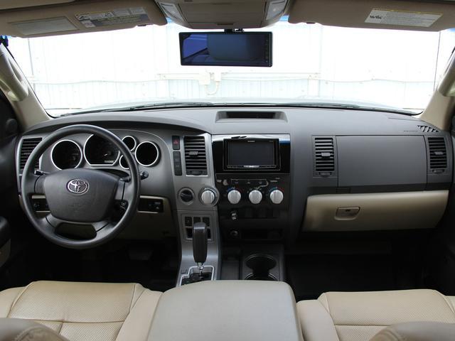 クルーマックス 4WD V8-5.7L 新車並行車(5枚目)
