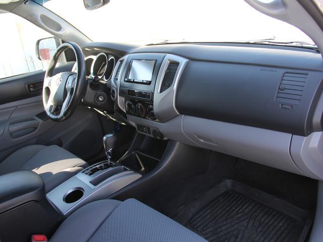 ダブルキャブ TRDオフロード 4WD 新車並行(8枚目)