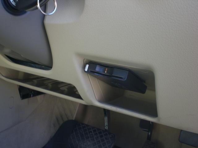 アウディ アウディ A4アバント 1.8T 1オーナーHDDナビTVベージュ本革シートETC