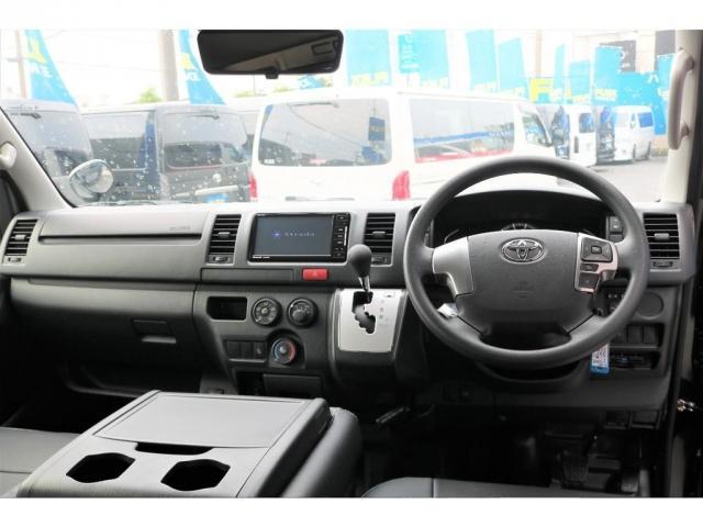 DX GLパッケージ クリーンディーゼル2WDブラックコンプリートシリーズFLEXアルミホイールナスカータイヤパナソニック製フルセグナビビルトインETCインナーブラックライトマッドブラックカスタムLEDテールランプ(6枚目)