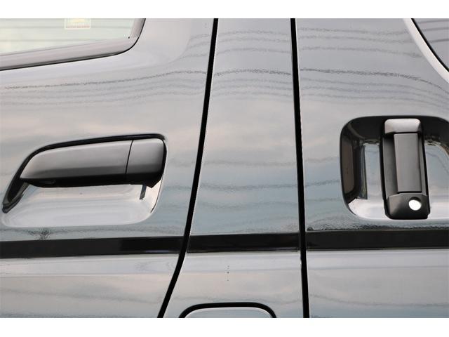 DX GLパッケージ クリーンディーゼル2WDブラックコンプリートシリーズFLEXアルミホイールナスカータイヤパナソニック製フルセグナビビルトインETCインナーブラックライトマッドブラックカスタムLEDテールランプ(43枚目)