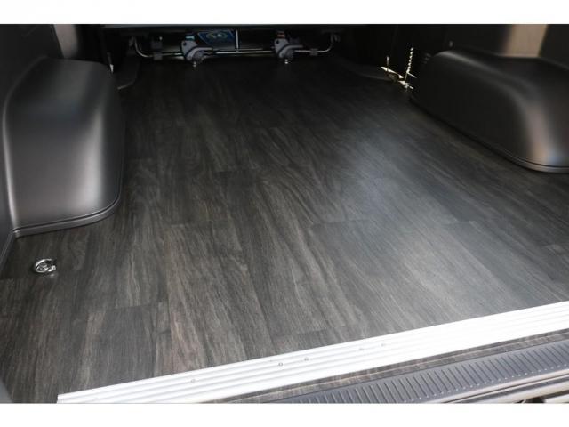 スーパーGL ダークプライムII 床張り施工フルセグSDナビビルドインETCフリップダウンモニター1.5インチローダウンFLEXリップスポイラーLEDテールライト煌REDバルベロ17インチアルミホイール&GOODYEARナスカー(4枚目)