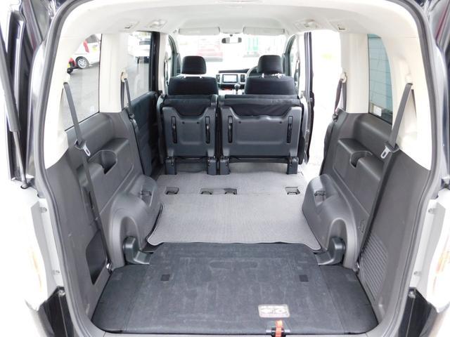 トランクの画像です!シートアレンジで荷室もたっぷり!当店のカーライフアドバイザーがお客様にぴったりの車両をご提案致します!