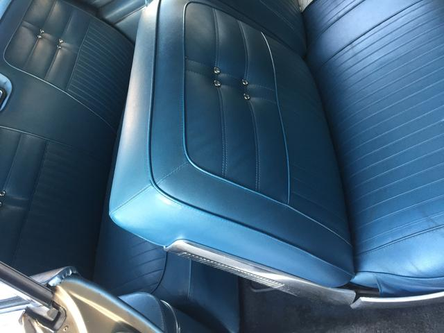 シボレー シボレー インパラ 1963年モデル ベンチシート ブルー張替え
