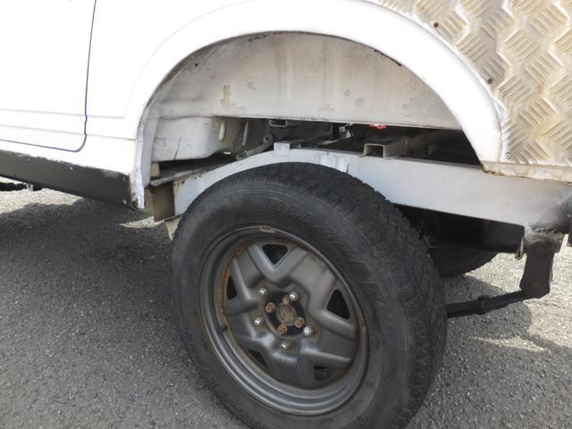 スズキ ジムニー CC 4WD 5速マニュアル車