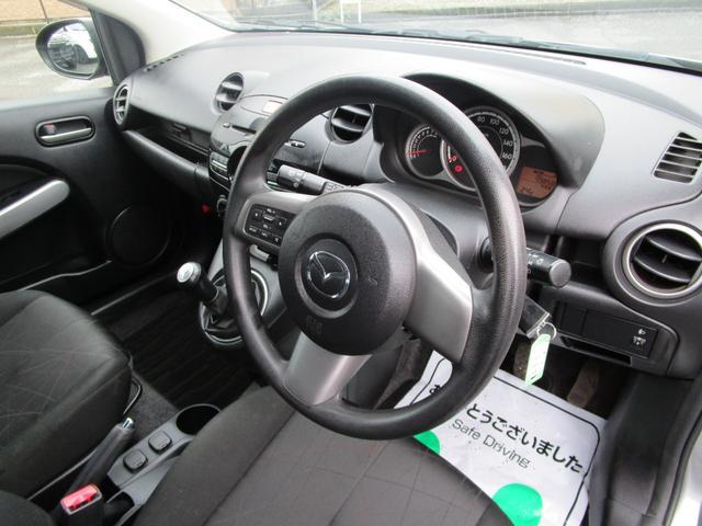 13C キーレス 記録簿付き 禁煙車 CD再生 エアコン パワーウィンドウ パワーステアリング Wエアバッグ ABS(24枚目)